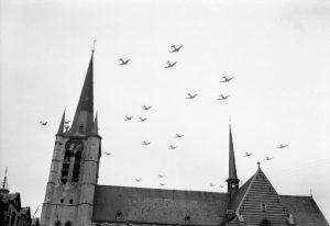 C-47_aircraft_flying_over_Gheel_in_Belgium