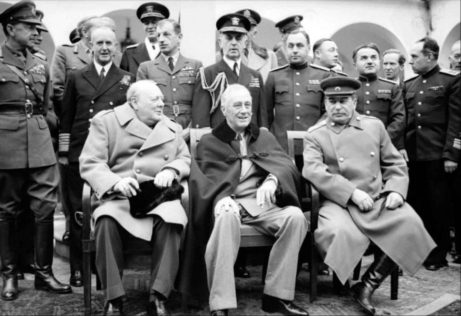 churchill-roosevelt-stalin-ialta-1945.jpg